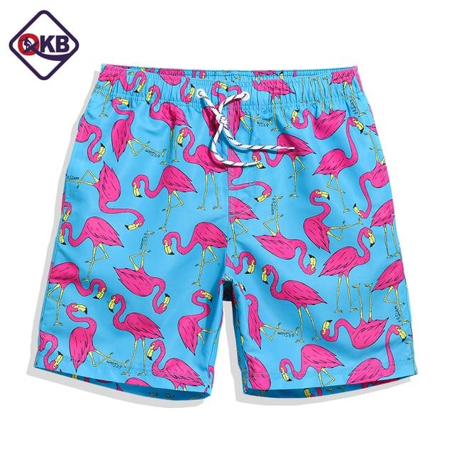 341b2a956 Homens Praia Shorts Board Shorts Troncos QIKERBONG flamingo impressão moda  Casual de Secagem Rápida Masculino Bermuda