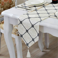 New 3D Flowers Table Runners With Tassels Flocking Square Plaid Tea Dining Table Runner Cloth Home Decoration Party