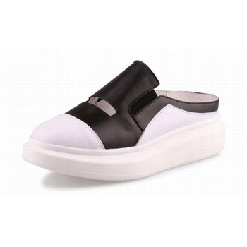 2017 New Arrival Genuine Cow Leather Women Flats Sandals Thick Bottom Platform Shoes Female Summer Closed-toe Slippers Mocassin