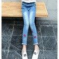Губы вышивка отверстия девушки джинсы брюки дети дизайнерские джинсы одежда для подростка, девочки дети тощий mid брюки