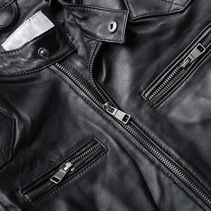Image 5 - عالية الجودة الفاخرة الرجال سترة جلدية حقيقية الموضة الصلبة قصيرة السائق سترة الذكور جيب عادية زيبر معاطف حجم كبير 5XL