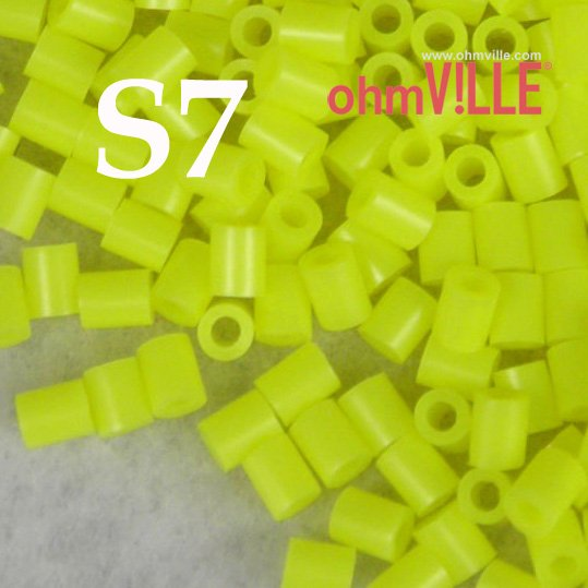 Wow ! USD 2 - 3mm Perler Beads, Fuse Beads (S7)... 26 Different Color Hama Beads,Guaranteed 100% Quality /Green +Free Shipping!