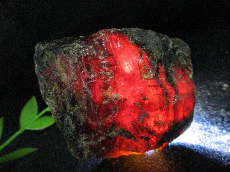 Sang rouge naturel ambre minéraux pierres Perot sang cristal roche spécimens Mellite Noneystone traitement des matières premières