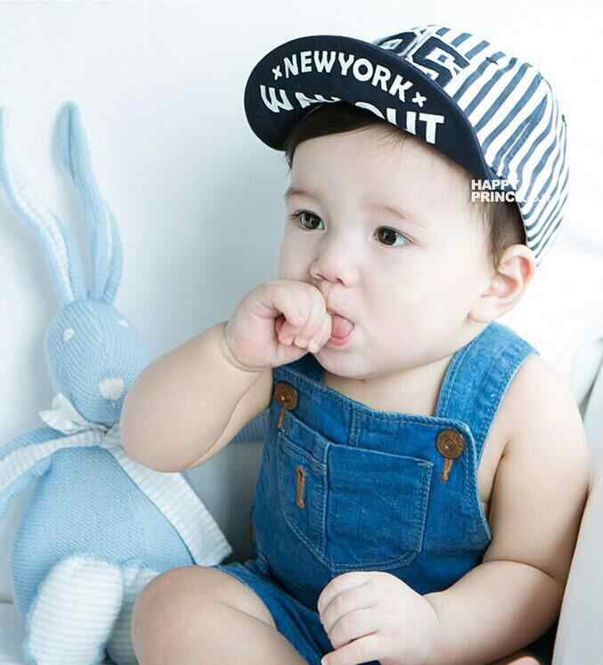 31a5cd821ee 1 Piece Cute Summer Newborn Baby Hat GirlS BoyS Digital 25 Striped Baseball  Cap Infant Cotton