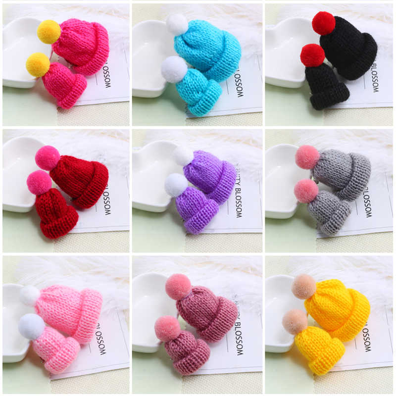 2 Pcs Topi Wol Lucu Sweater Bros Mini Colorful Wol Rajutan Hairball Kemeja Jaket Kerah Lencana Pin Bros Mode Perhiasan