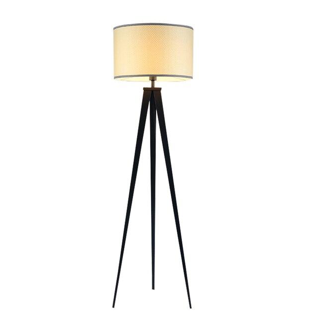 Chinesische Stativ Stehlampe Moderne Schlafzimmer Wohnzimmer Deko Licht Schwarz Eisen Flaxen Stoff Lampenschirm Startseite Leuchte