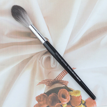 1pcs Quality Brand  NO.93 Concealer brush Wood Handle And Synthetic Hair Professional Bakeup Brush