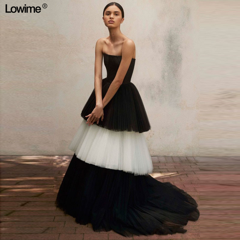 Haute Couture Long Evening Celebrity Dress 2018 Strapless Black White Tiered Tulle Prom Gowns Dubai Arabic Women Party Dress