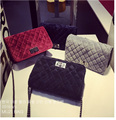 European Famous Brand Luxury Classic Woman Winter Velour Shoulder Bag Plaid Chain Messenger Mini Flap Bag Small Quilted Handbag