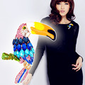YNB Mais Recente Moda Broche Jóias Pintado Papagaio de Cristal Broches 2017 Presente de Ano Novo Moda Belas Jóias Broches para As Mulheres