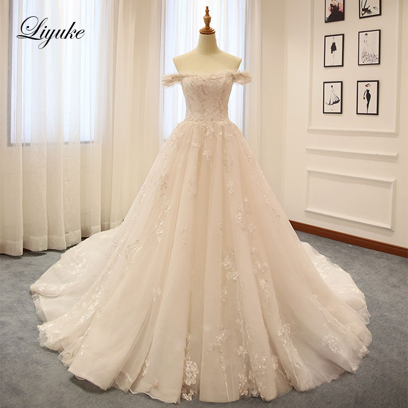 Liyuke Embroidery Tulle Princess Ball Gown Wedding Dress Off The Shoulder Boat Neck Lace Up Chapel Train Elegant Bridal Dresses