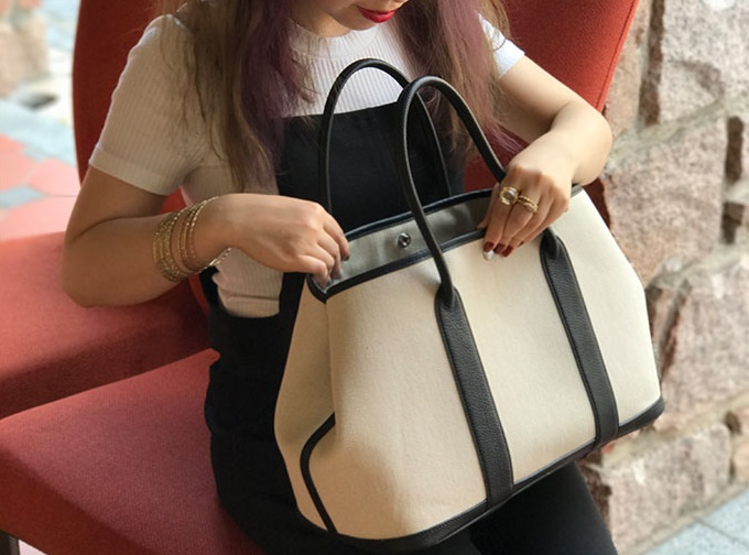 Top kwaliteit tas canvas en leer tote grote capaciteit brede band zilveren gesp vrouwen handtassen-in Top-Handle tassen van Bagage & Tassen op  Groep 1