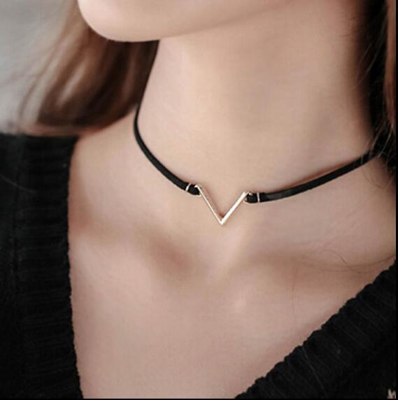 Fashion V Shape Chokers Necklace Torques Summer Punk Style Black Short Velvet Co