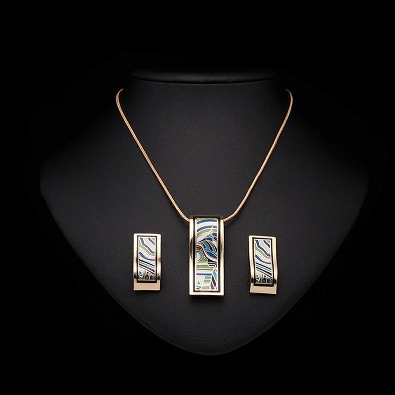 a3d93f412704 V atraer encanto de acero inoxidable personalizada nombre collar de la  joyería de los hombres de