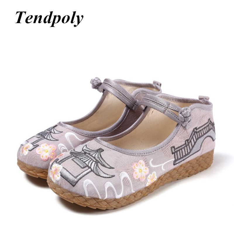 2018 new Chinese national style retro women's singles shoes spring summer fine fashion embroidery cloth shoes casual flat shoes spring and summer 2018 new chinese