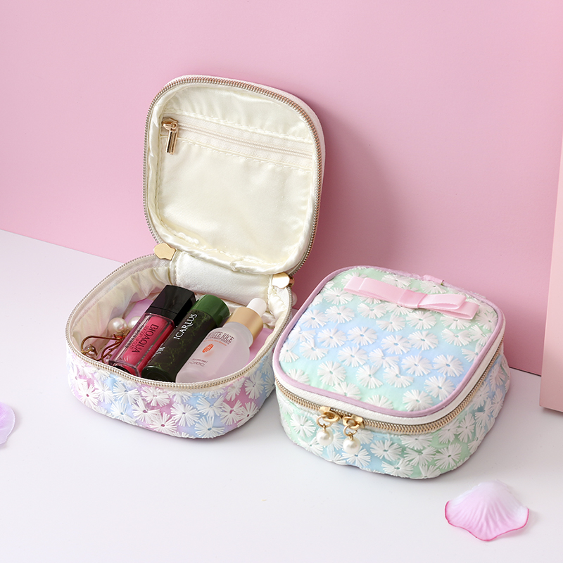 Fashion Mini Makeup Organizer Travel Cosmetic Toiletry Wash Eyelash Brush Earrings Bag Female Hygiene Sanitary Napkins Container