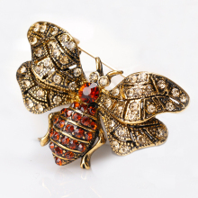 Chic Charming Bee Rhinestone Brooch for Women Vintage Cute Insect Crystal Brooches Pins Fashion Jewelry Gifts XZ106