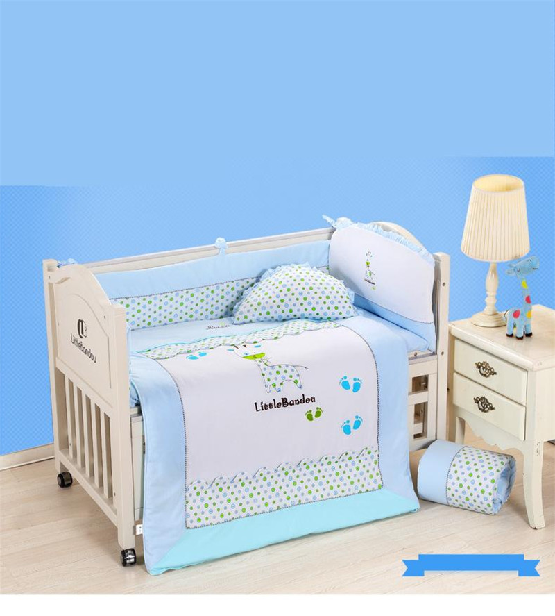 7 Pieces Baby bedding Sets Small Deer Button Printing Seven Sets Pillowx2+Bed Sheets+Bedside+Bed Cushions+ Quilt +Sheets Core9