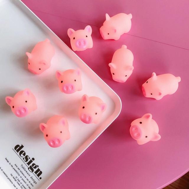 7 Pc Engraçado Porco Cor de Rosa Dos Desenhos Animados Mole Mochi TPR Aperto Correias DIY Acessórios Decor Fun Joke Brinquedo Antistress Presente Brinquedos