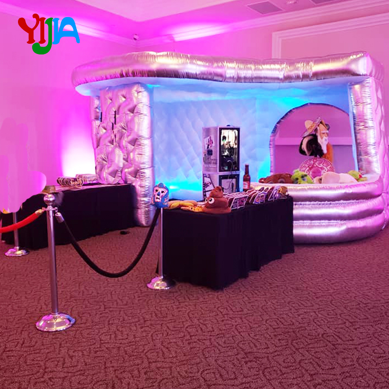 New Diamond Shape Large Size 15ft Inflatable Photo Booth Tent with LED strips around And Curve Bar for Props for Party hot Sell