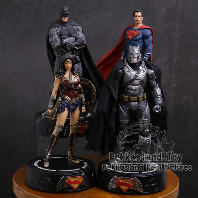 DC COMICS Super Hero Batman/Wonder Vrouw/Superman Standbeeld met LED Licht PVC Figuur Collectible Model Speelgoed