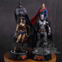 DC COMICS Super Hero Batman/Wonder Woman/Superman Statua con la Luce del LED PVC Figure Da Collezione Model Toy