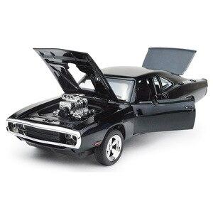 Image 2 - MINI AUTO 1:32 Dodge Ladegerät Die Schnelle Und Die Furious Legierung Auto Modelle kinder spielzeug für kinder Klassische Metall Autos