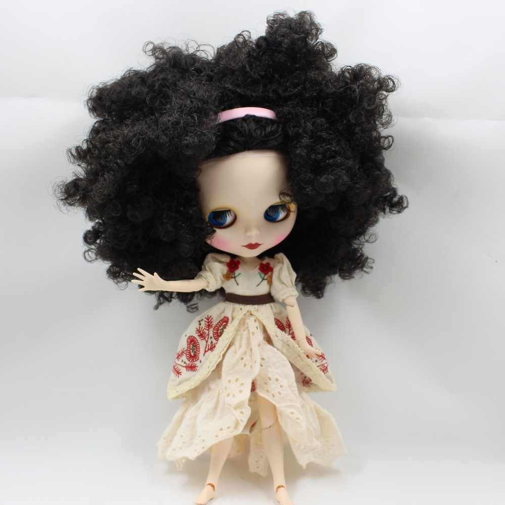 Neo Blythe Doll with Black Hair, White Skin, Matte Face & Jointed Body 2