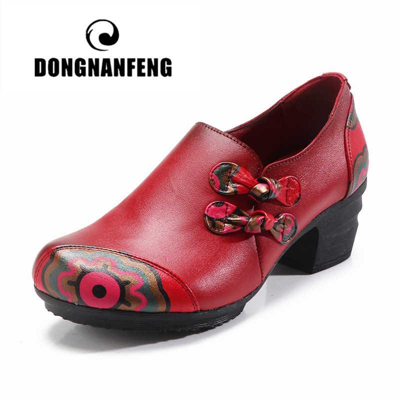 Dongnanfeng mulher apartamentos mãe velha sapatos femininos mocassins vaca couro genuíno casual floral flor zíper do vintage 35-41 YTZ-6018