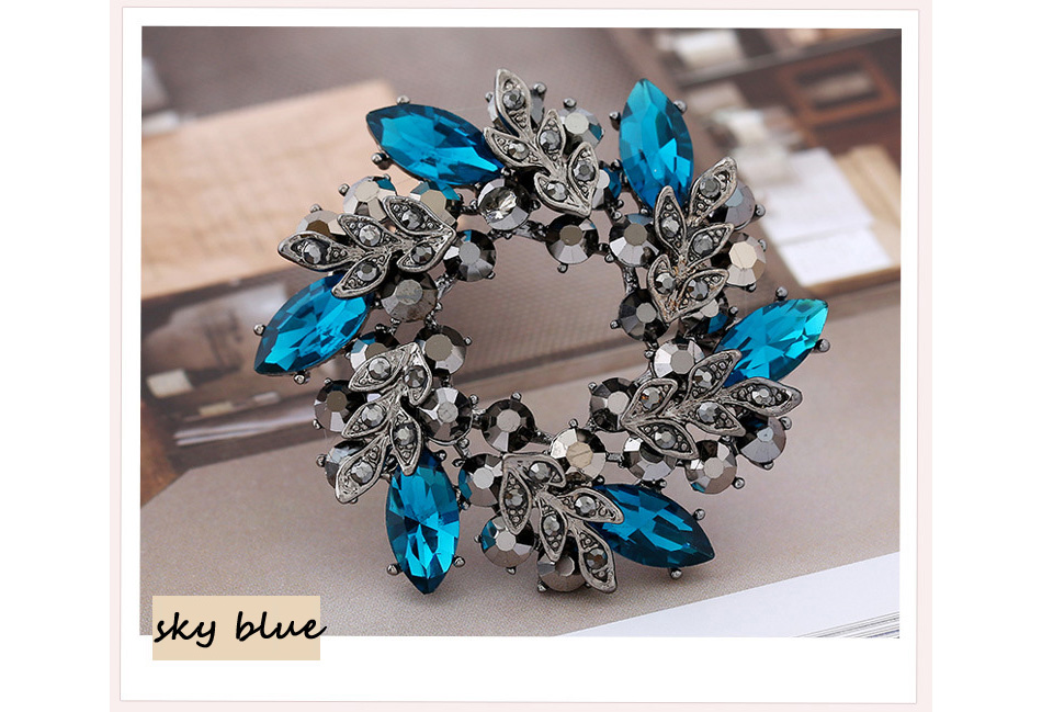 Flower Crystal Brooch For Women Fashion Brooch Pin Bouquet Rhinestone Brooches And Pins Scarf Clip Jewelry CLOVER JEWELLERY