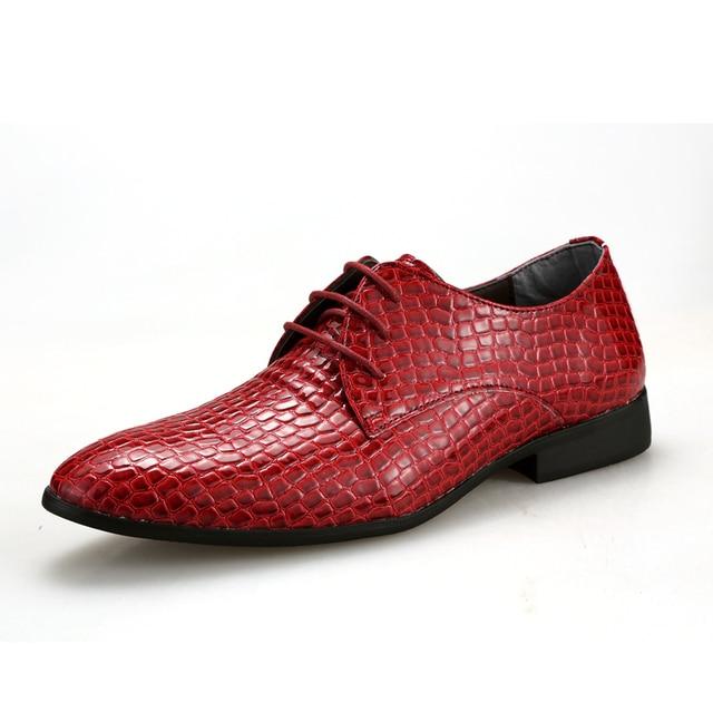 e6a4a445221 Classique hommes crocodile en cuir chaussures noir bleu rouge homme parti  robe chaussures tendance gentleman dîner