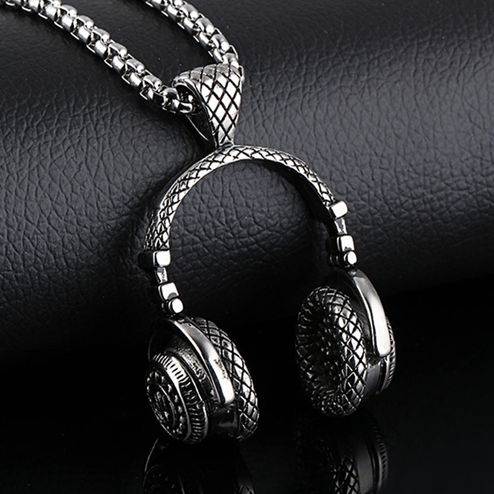 Hip hop headphone necklace 3