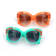 Charming 3D Flower Cat Eye Sunglasses Women Fashion Butterfl