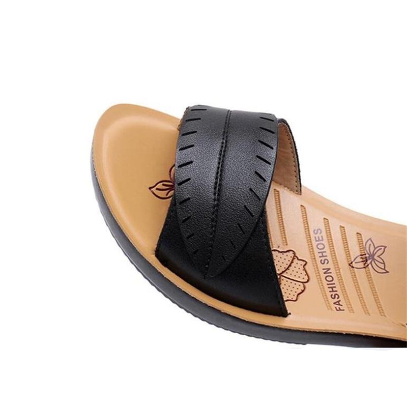 2018 new women sandals genuine leather mother's sandals flat female sandals soft bottom antiskid women sandals plus size 35-41 3