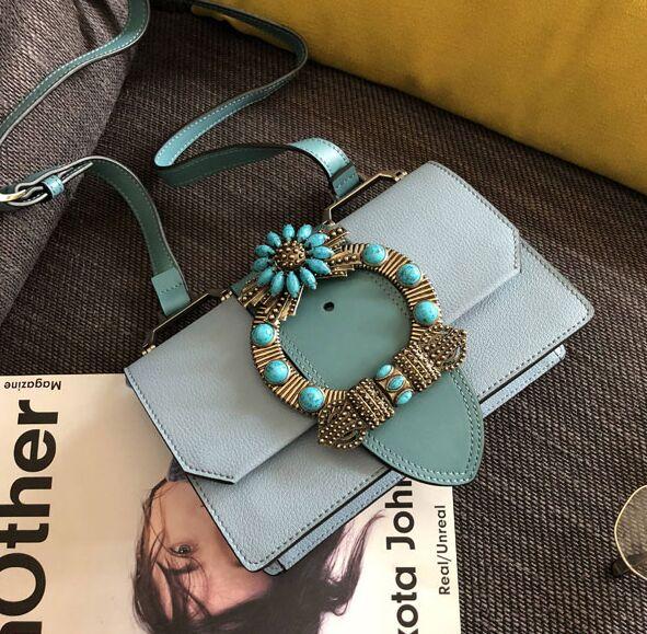 Bagaj ve Çantalar'ten Omuz Çantaları'de SıCAK yaz 2018 moda kadın hakiki deri inci payetli elmas omuzdan askili çanta mini flap yüksek kalite 23 cm'da  Grup 2