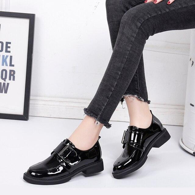 32efa6ba7 BeautyFeet New Sólidos Mulheres de Couro de Patente Sapatos Oxford Mulher  Lazer Sapatos Femininos Quadrados Saltos
