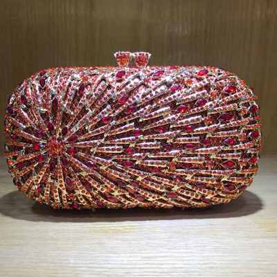 New Arrival Women Evening Bags Metal Fashion Luxurious Lady Clutch Crystal Chain Shoulder Handbags For Wedding Party purse red