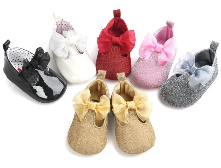 ROMIRUS Belle Nouveau-Né Bébé filles Chaussures bling bling arc Enfant  Princesse Chaussures Premiers Marcheurs Ballet Berceau Chaussures à semelle  souple 434e368facaa