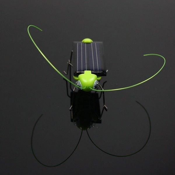 FREE SHIPPING! HIGH QUALITY 5PCS/LOT Solar Power Robot Insect Bug Locust Grasshopper Toy kid,Great gift for children