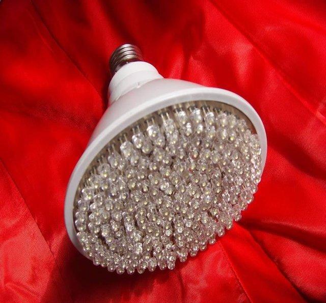 7W led spot light,E27 base;138pcs 5mm DIP LED; warm white color;P/N:APO20