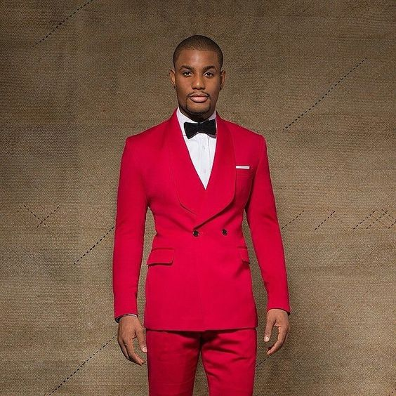 e82e1ffe209018dba36da42a8825a7ad. Últimos diseños de pantalones de abrigo  azul real negro terciopelo hombres traje Slim Fit chaqueta ... 5b02a2e2a8a