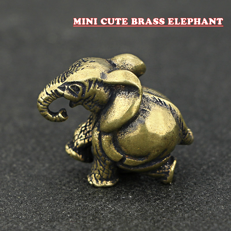 Mini Cute Vintage Brass Elephant Statue Pocket Keychain Ornament Figure Sculpture Home Office Desk Decorative Ornament Toy Gift
