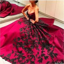 2017 reizvolles Ballkleid Abendkleid Roten und schwarz Appliques Satin Günstige Lange Prom Kleider Abendkleid kleid