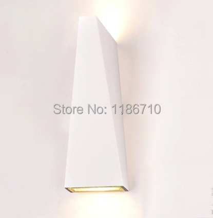 LED wall lamp contracted modern wall lamp sitting room the bedroom wall light contains LED light source is free shipping