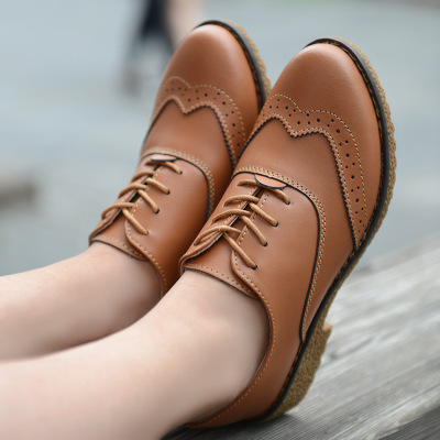 77d4402a468 2017 New Spring Women Platform Shoes Woman Brogue Patent Leather Flats Lace  Up Footwear Female Flat Oxford Shoes For Women