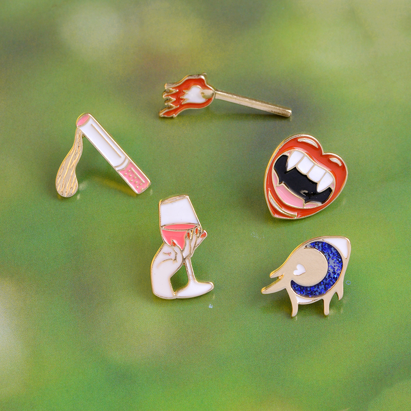 5pcs Vampire Lips Eye Wine Matches Cigarette Brooch Button Pins Coat T-shirt Jacket Pin Badge Cartoon Fashion Jewelry Gift signage