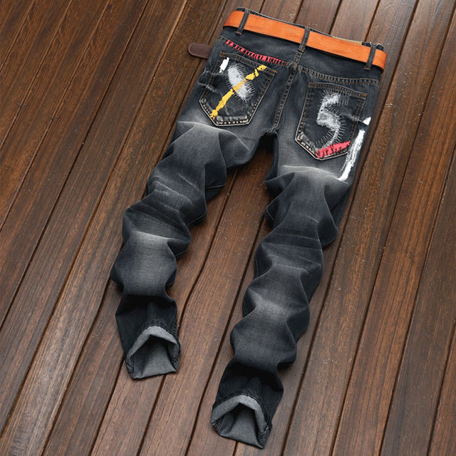 2018 Men Jeans Design Fashion Biker Runway Hiphop Slim Jeans Hole Offset printing Distressed Man's ripped jeans denim trousers