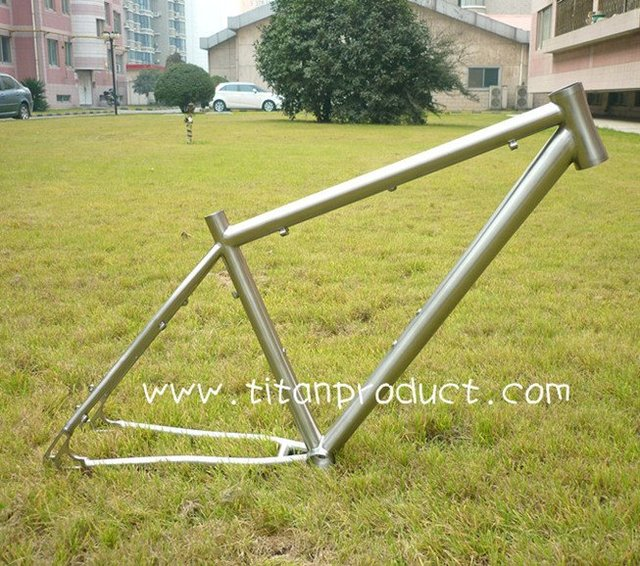 Titanium Bicycle Mountain Bike Frame With 44mm Integrated Head Tube and BB30 Bottom Bracket