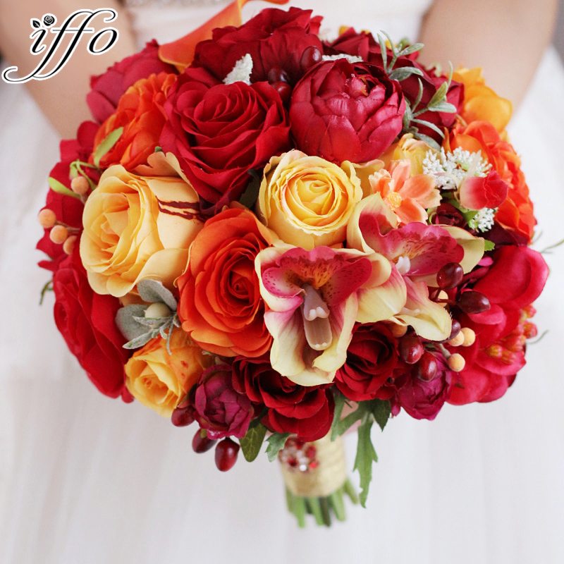 Iffo high-end custom bride hand holding flower bouquet red orange orange rose small pollen dragonfly small tree fruit DIY decor
