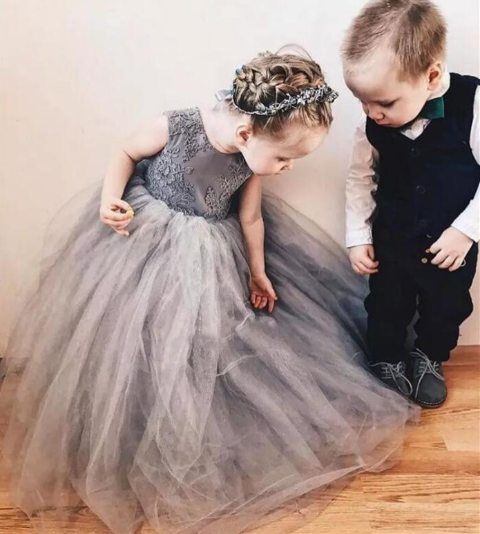Grey Tulle Fluffy Flower Girl Dresses For Wedding with Big Bow Lace Appliques Girls Pageant Dresses Any Size and Any Color LongoGrey Tulle Fluffy Flower Girl Dresses For Wedding with Big Bow Lace Appliques Girls Pageant Dresses Any Size and Any Color Longo